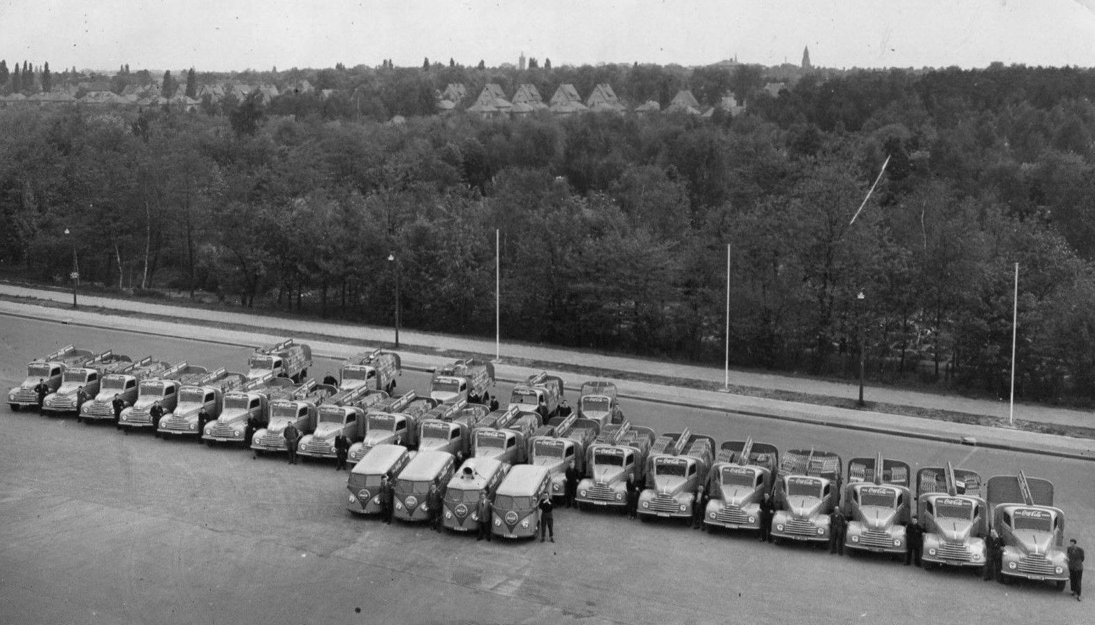 Berlin-Coca-Cola-Flotte-1957-VW--Ford-FK-3500-4-opel