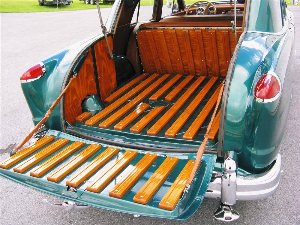 1951-Frazer-4-Door-Vagabond-4