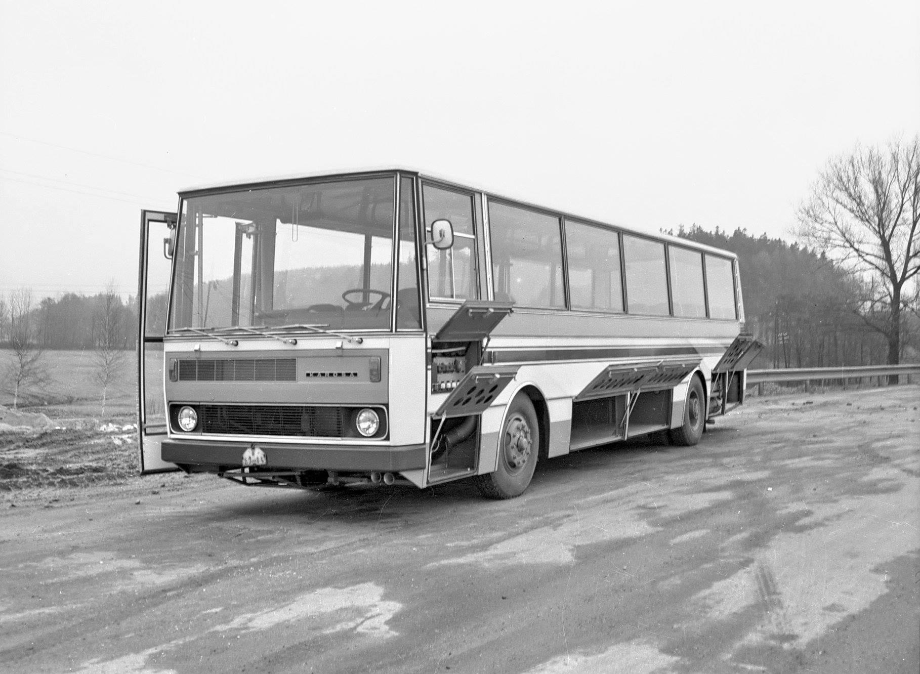 Eind-1973-werd-de-allereerste-bus-geproduceerd-in-een-zeer-succesvolle-serie-700-3