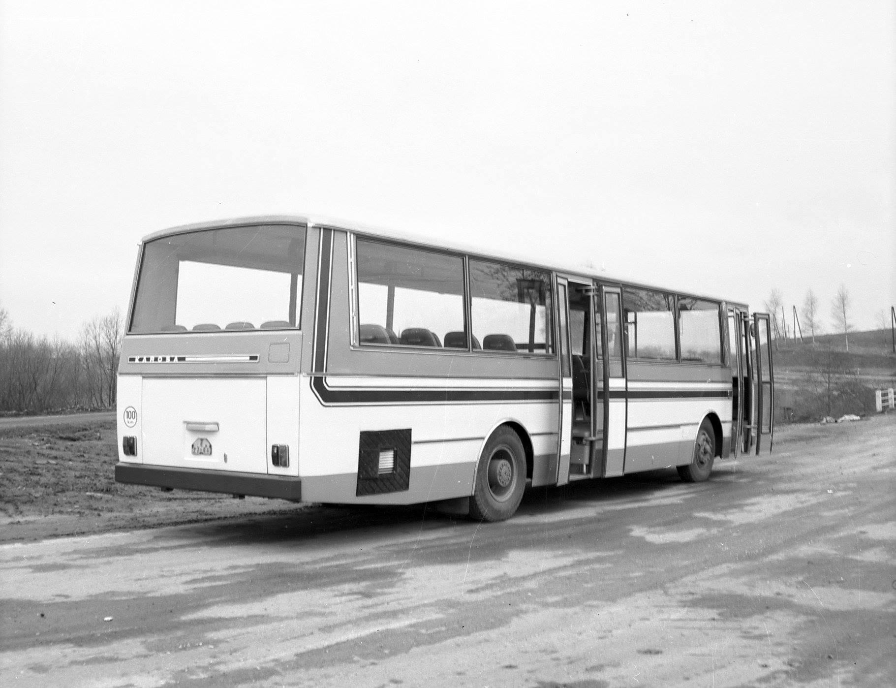 Het-nieuws-in-deze-bus-was-het-gebruik-van-een-open-klap--deur