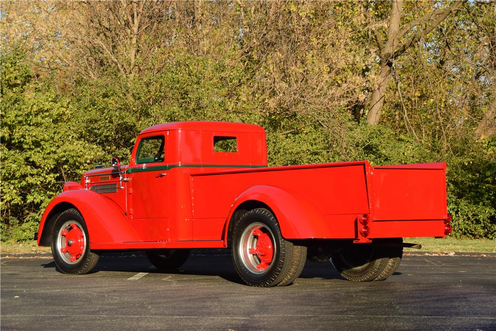 Diamond-T-Model-80-Pickup-1937-2