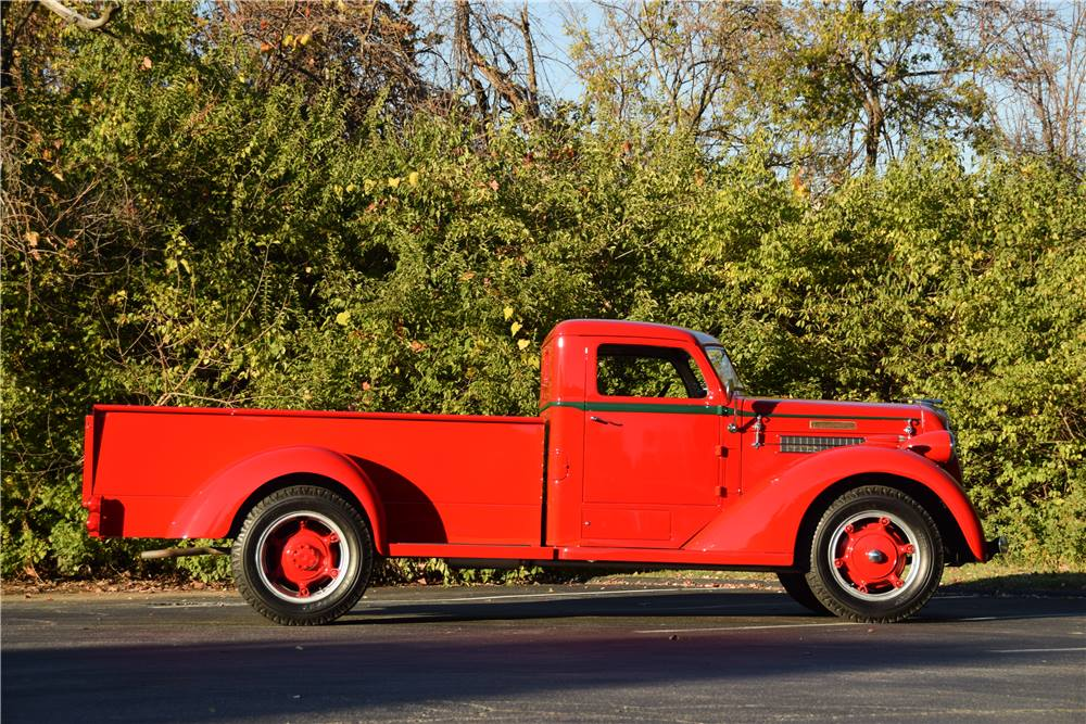 Diamond-T-Model-80-Pickup-1937-3