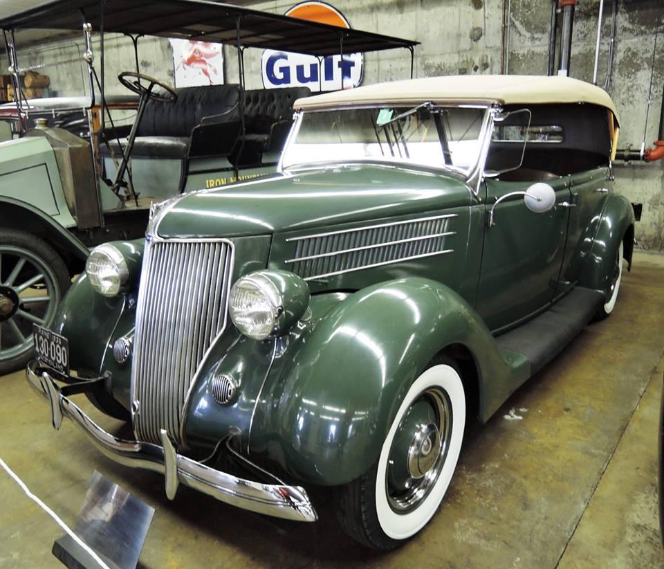 Ford-De-Luxe-Pheaeton-V-8-85-HP-1936