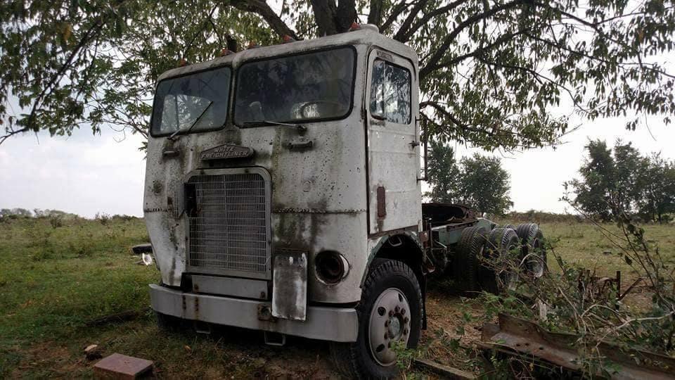 Frieghtliner-.-Boom-truck-na-vele-jaren-1