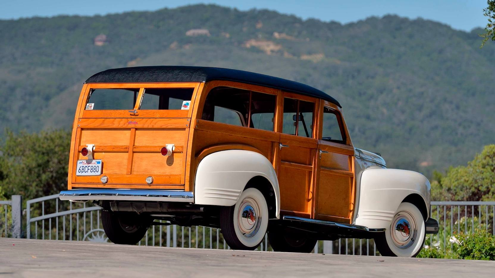PLYMOUTH-P12-SPECIAL-DELUXE-WOODIE-WAGON-1941--2