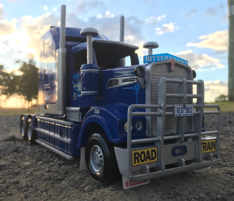Wooden-model-of-a-Kenworth-T909-and-quad-Dunn-s-livestock-trailer-setup-for-Borchtrans-8