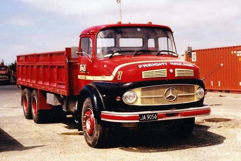 MB-1968-L141850--Southland-Freight
