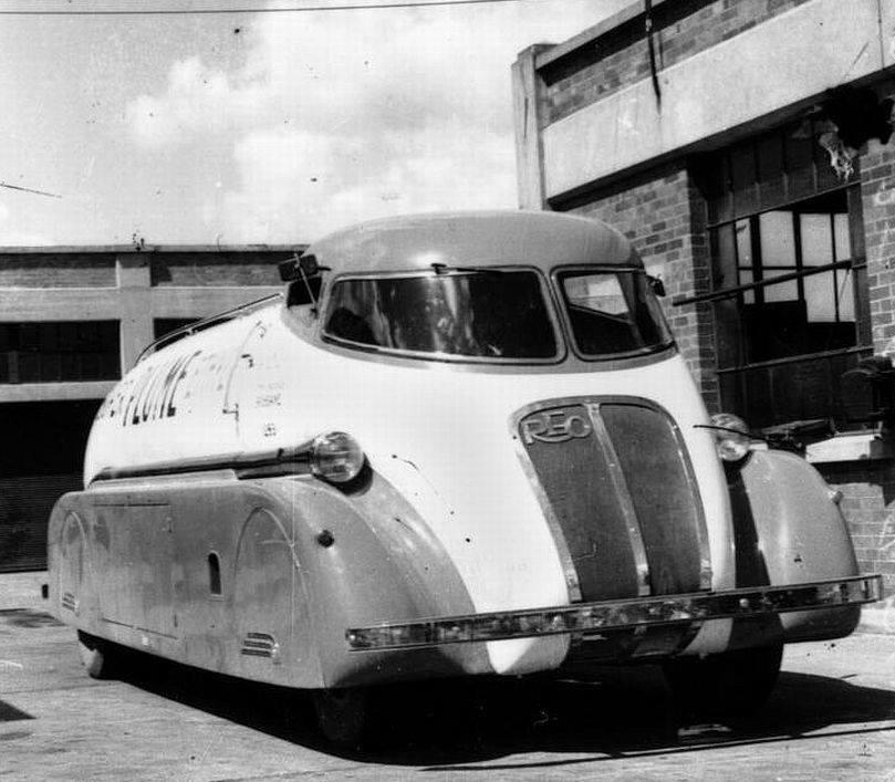 Reo-Speedtanker-1937-Reo-truck-chassis-1