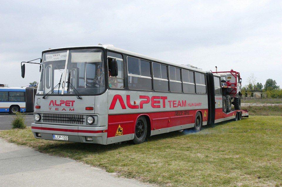 Alpet-team-op-truck-trialu-aan-de-basis-van-ikarus-280-17-1