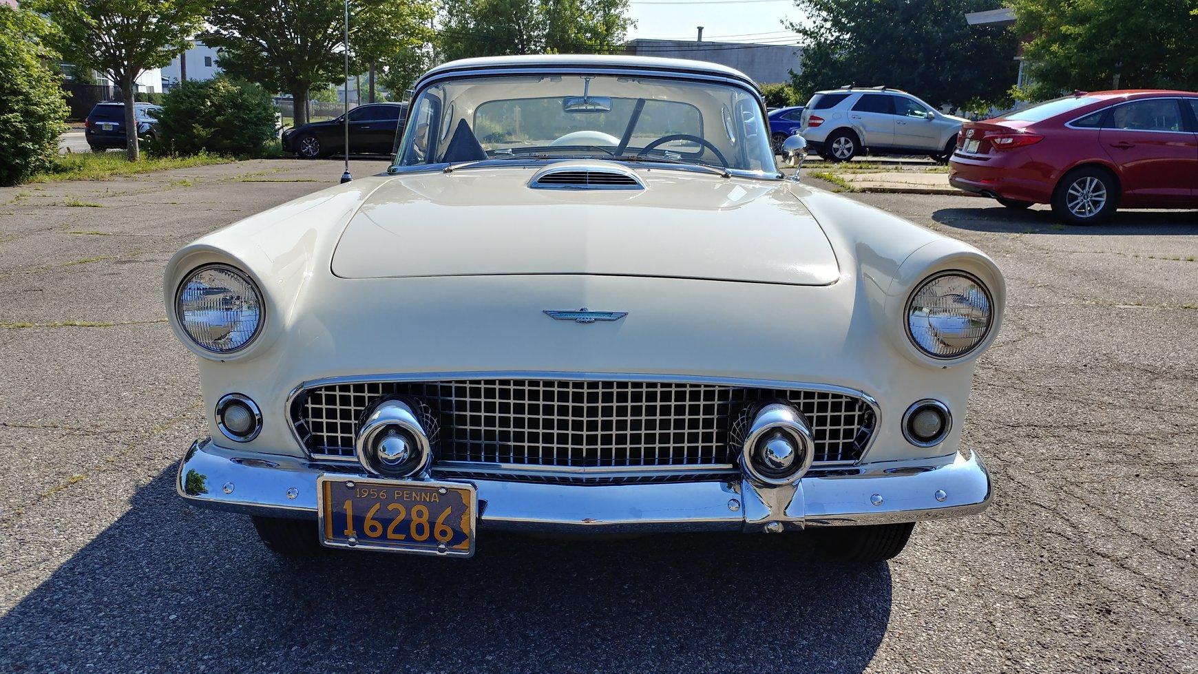 Ford-Thunderbird-1956-1