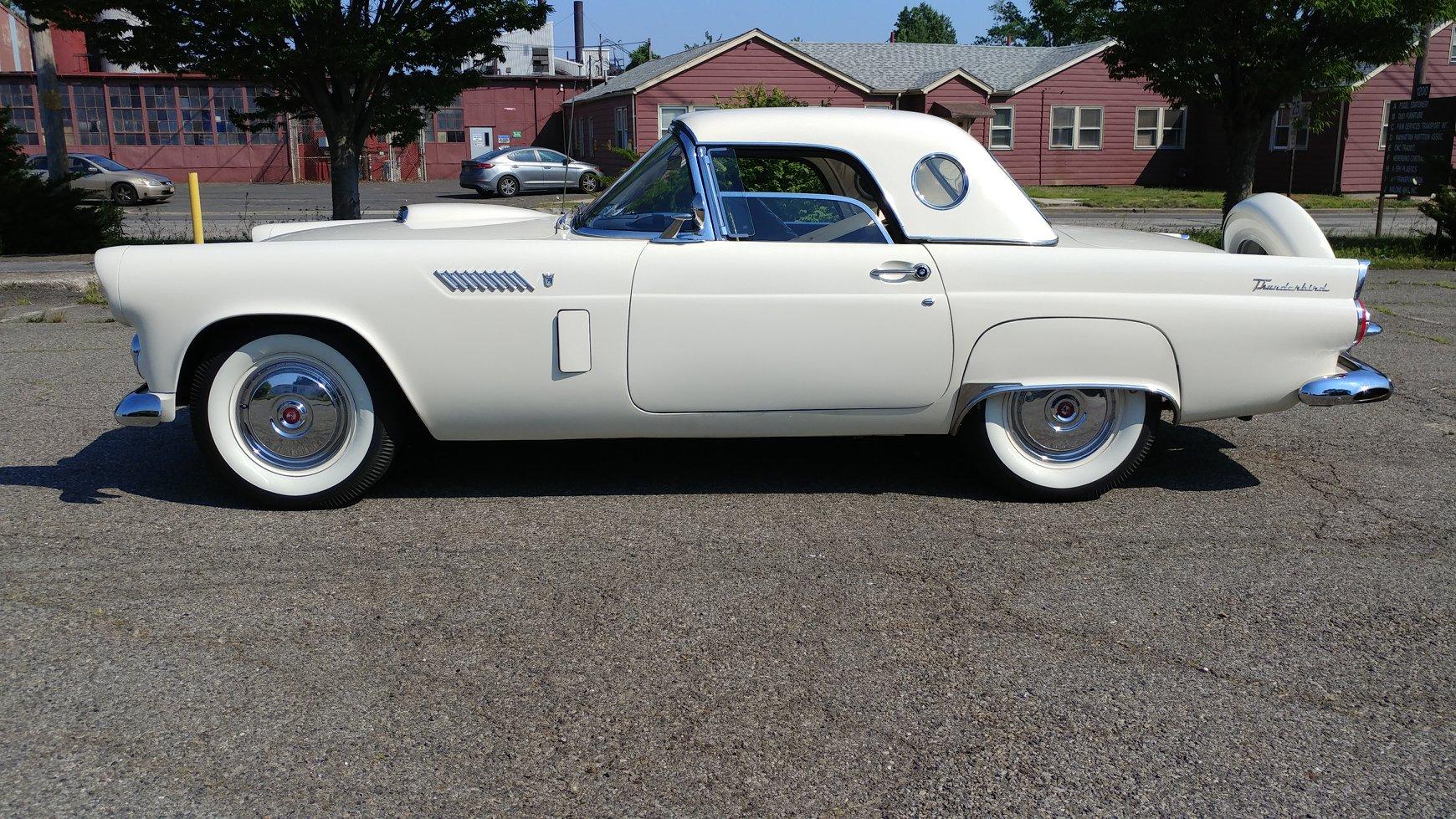 Ford-Thunderbird-1956-4