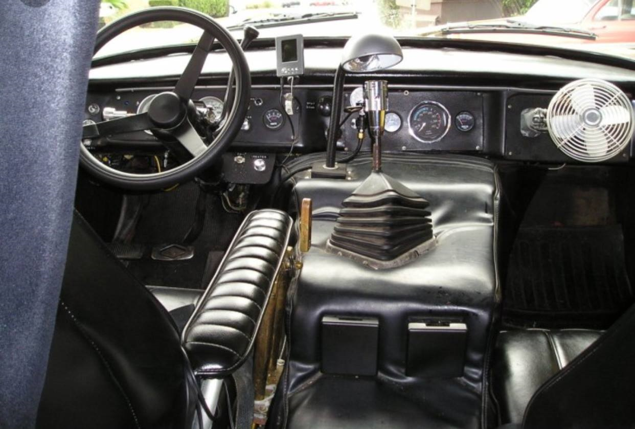 Checker-Look-at-this-interior
