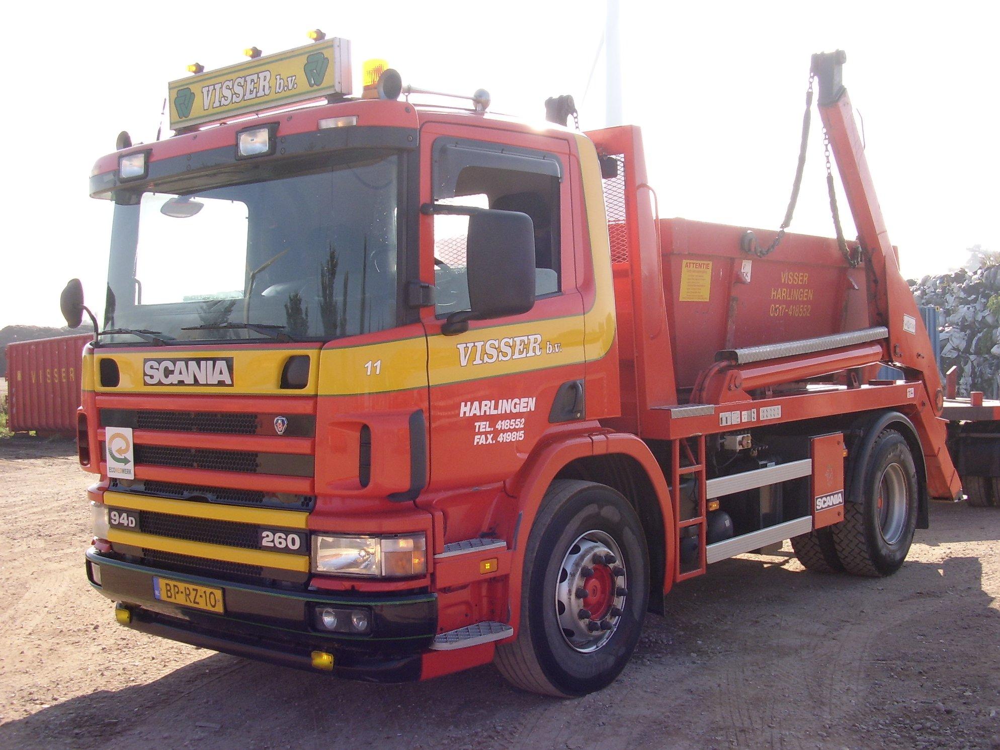 Scania-94D-260-pk-van-2004-met-portaal-systeem