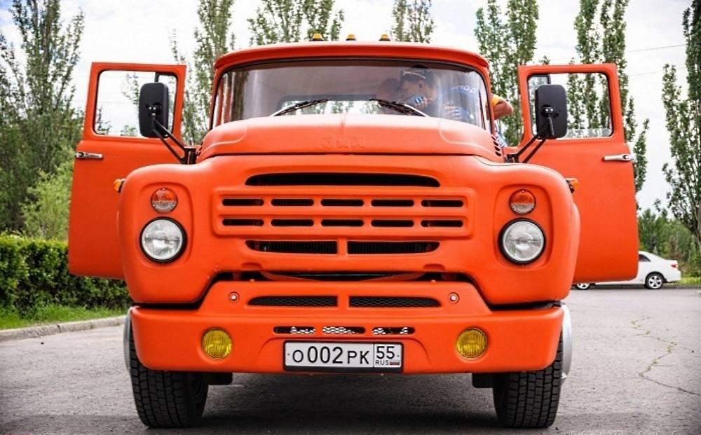 ZIL-130-Pickup-1