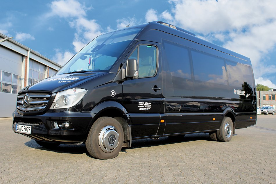 Mercedes-Sprinter-Travel-65