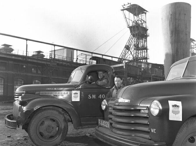 01-01-1948-vracht--auto-s-staatsmijnen-marchall-hulp