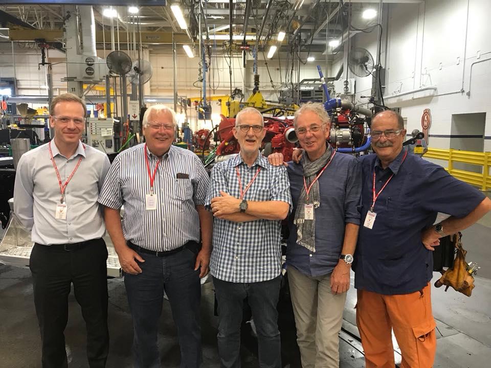 Gerrit-Langen-met-de-vrienden-in-de-Kenworth-fabriek--13-7-2018-1