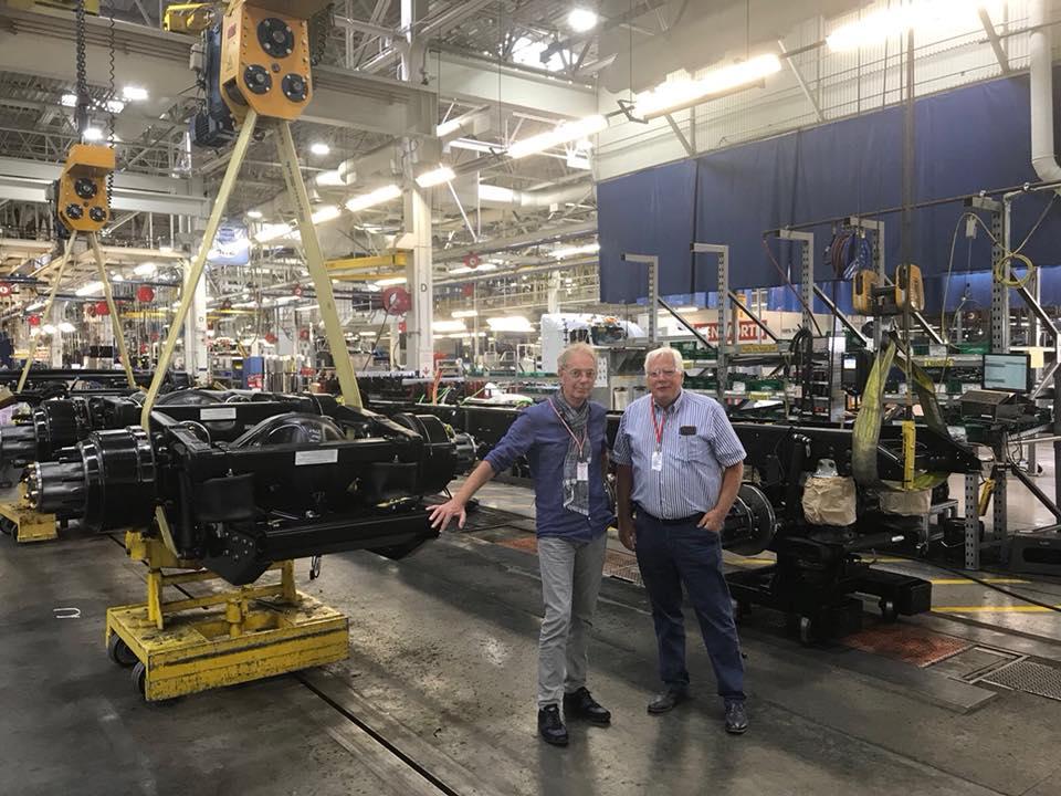 Gerrit-Langen-met-de-vrienden-in-de-Kenworth-fabriek--13-7-2018-6