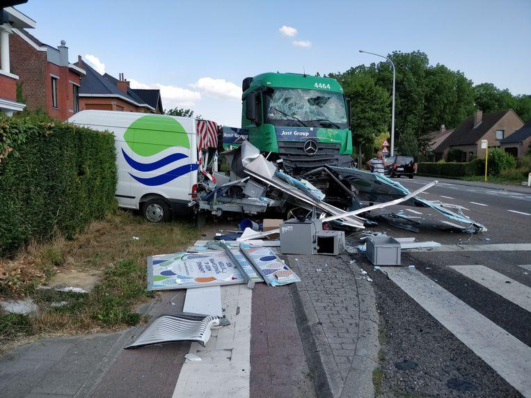 Naakte-chauffeur-veroorzaakt-ongeluk-13-7-2018-Tiensesteenweg-Bierbeek