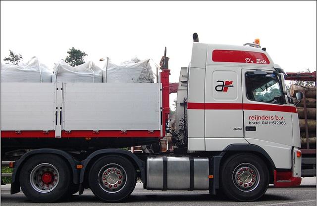 Volvo-trucks-1
