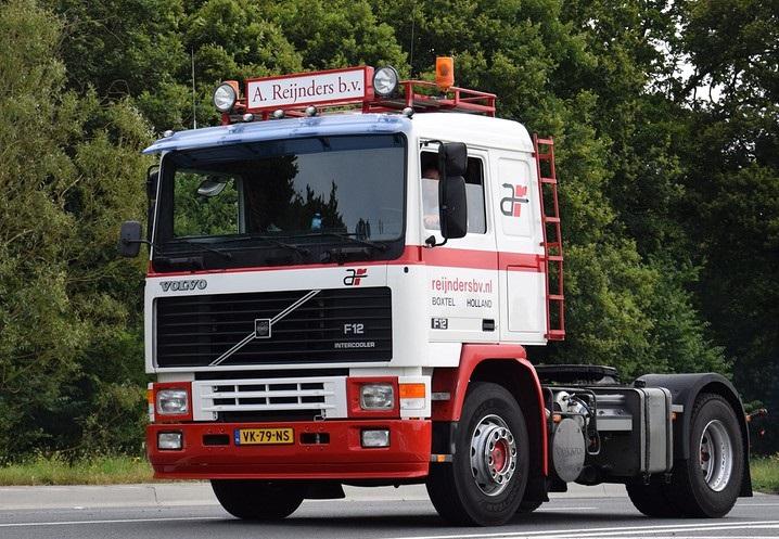 Volvo-trucks-3