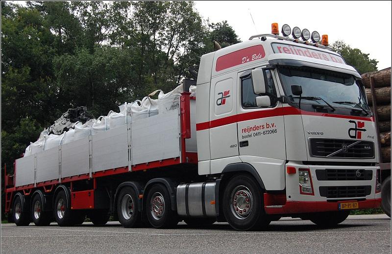 Volvo-trucks-4