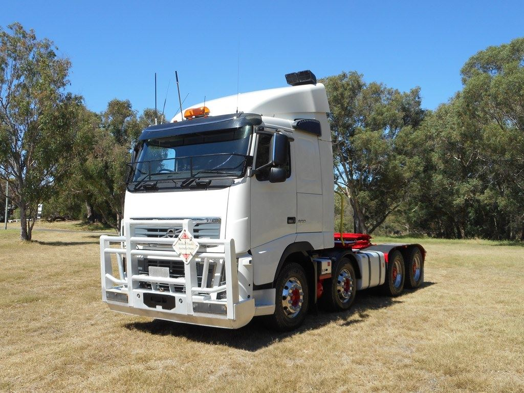 Volvo-FH16-8x4-2012