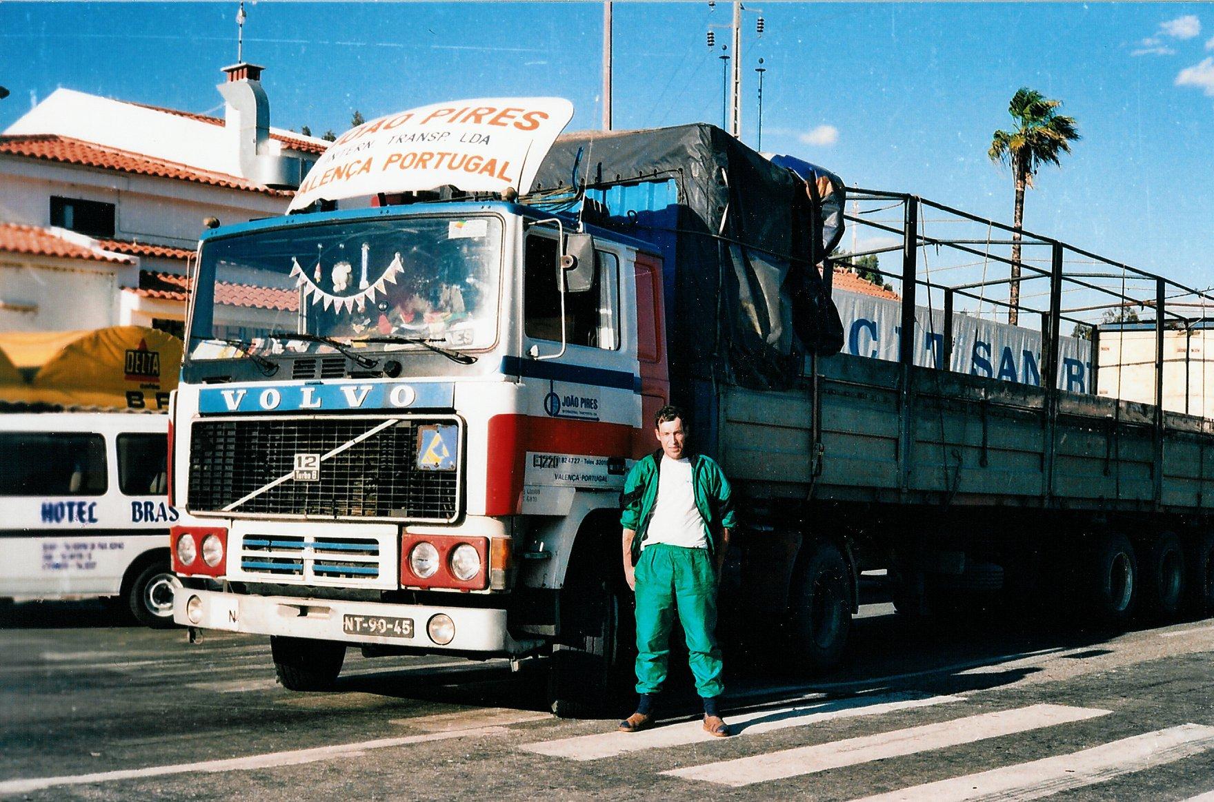 Volvo--Restaurante-Brasa-Caia