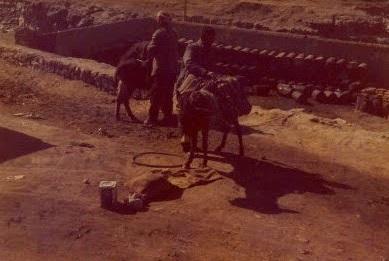 1975-een-dorpje-lang-de-weg-in-Iran