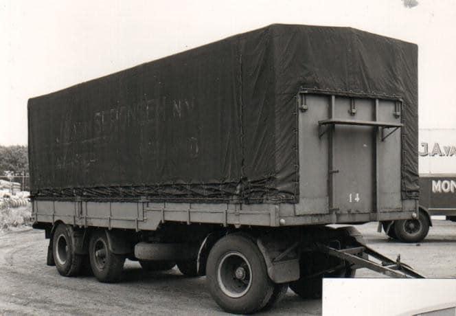 In-BRD-mocht-deze-hanger-geen-2x10t-wegen--dus-later-een-6t-as-erbij-toen-mocht-deze-max-22t-zijn