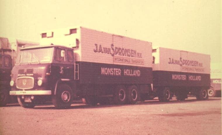 Scania-ZB-97-04-eeerste-vierkanten-bak-Bak-de-Graaf-uit-Zevenhuizen