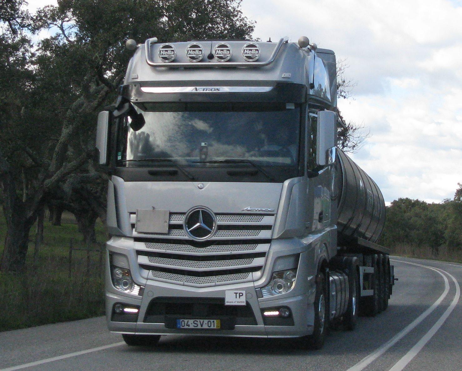 Carlos-Mateus-Mercedes-Archive-111