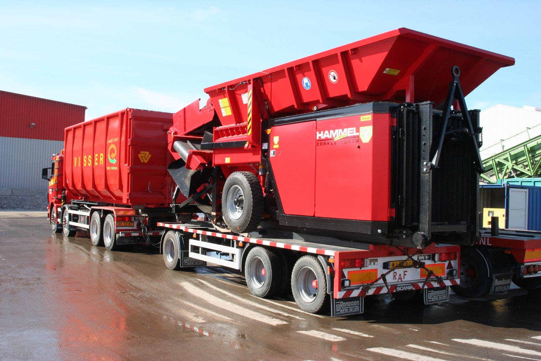 Scania-114-G-340-pk-met-een-RAF-tandemas-container-aanhangwagen-2