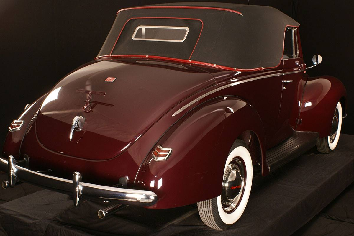 Ford-Deluxe-Convertible-1940--3