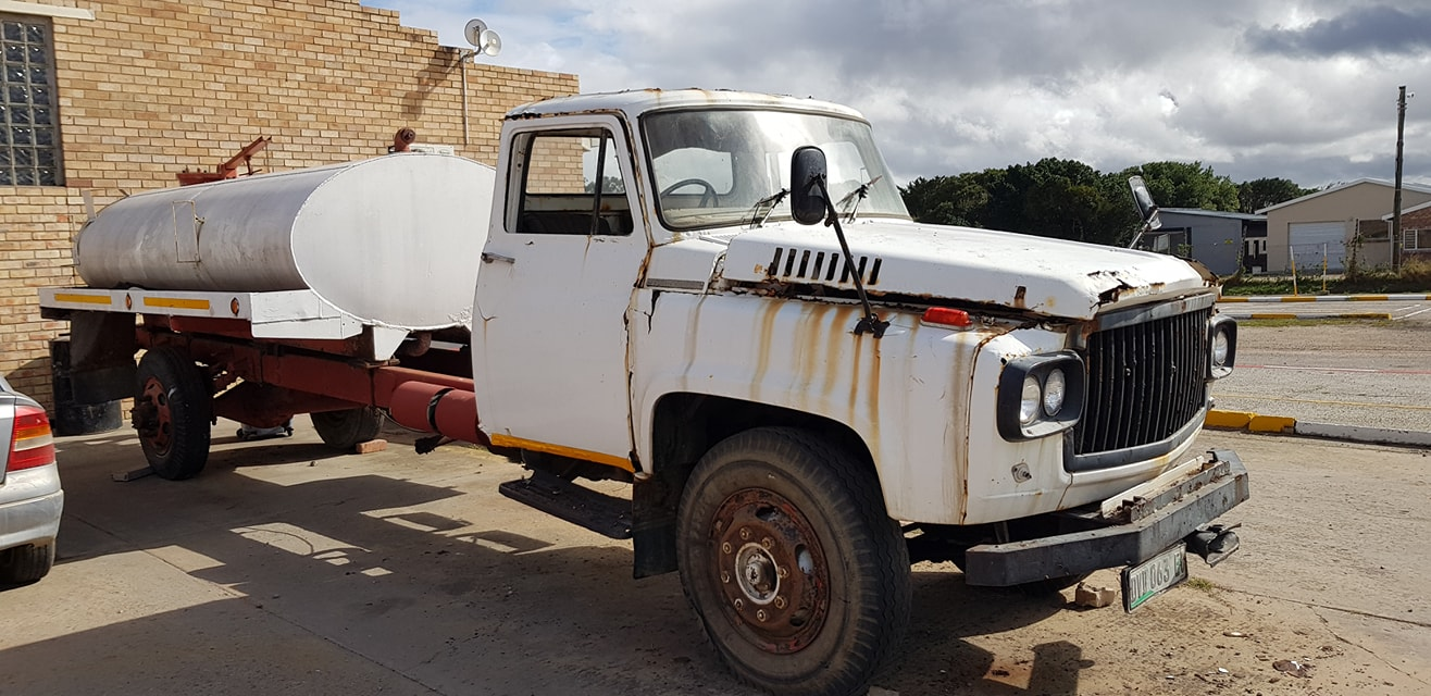 Nissan-oldy-2