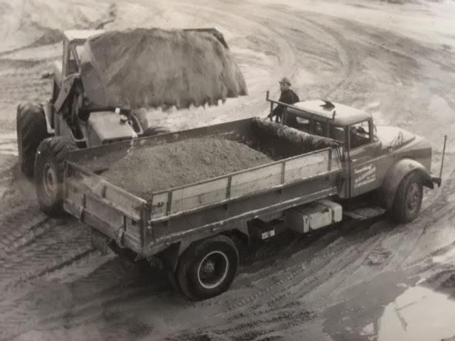 1966-torpedo-daf--Mijn-vader-waarschijnlijk-bij-De-Groot-zand-laden-.
