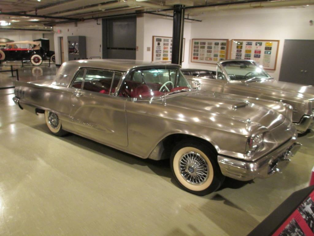 Ford-T-Bird-Stainless-Steel-1960--