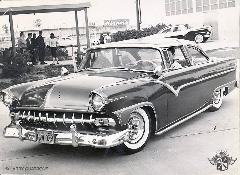 Ford-Crown-Victoria-1956-