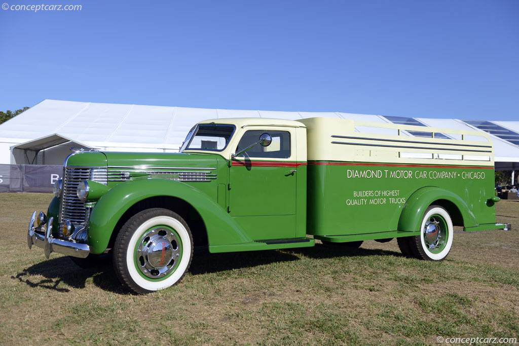 Diamond-T-406-Deluxe-Express--1934--1