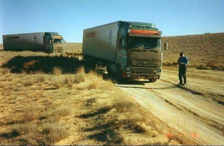 South-Kazachstan-near-Akteu-1998-Bad-Roads--