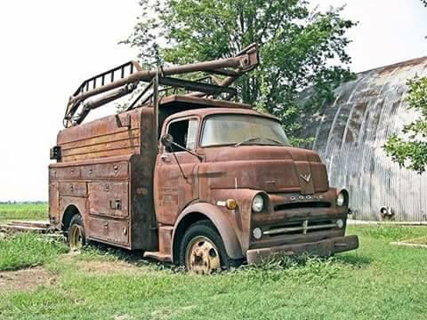 Dodge-V8-COE-1957-benzine