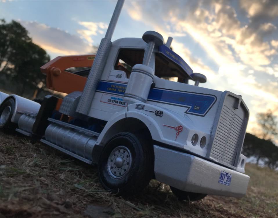 Kenworth-T404ST-crane-truck---1