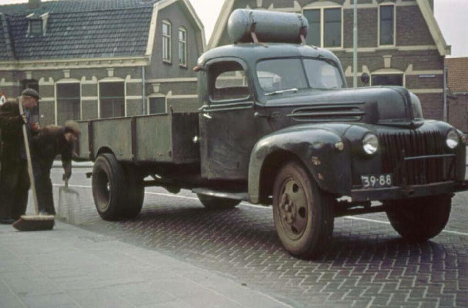 Ford-F3-1949-met-Gas-ombouw