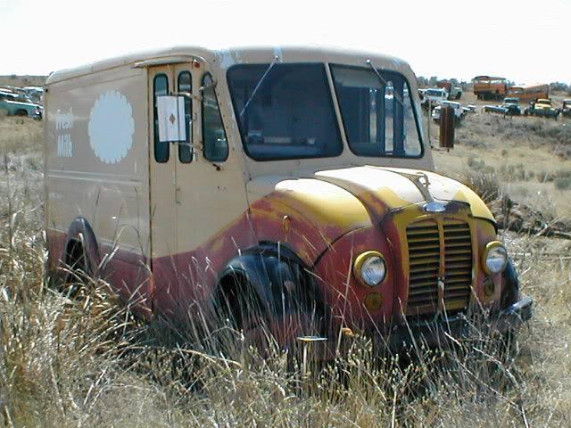 Darigold-milk-truck-