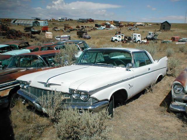 Gorgeous-1960-Imperial-2-door-in-better-condition-than-the-rest-in-this-album-