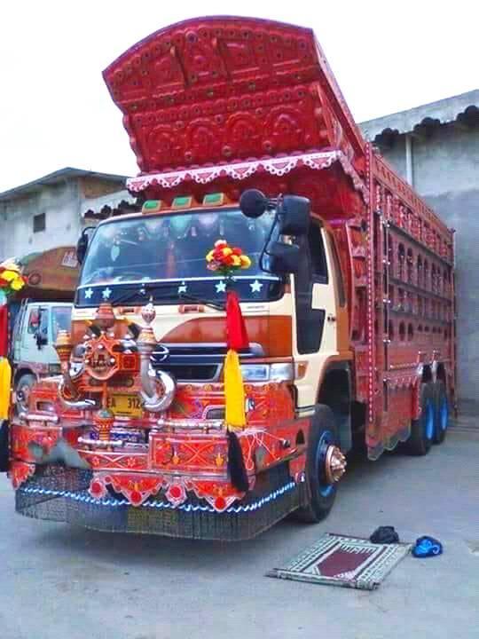 Hino--truck-