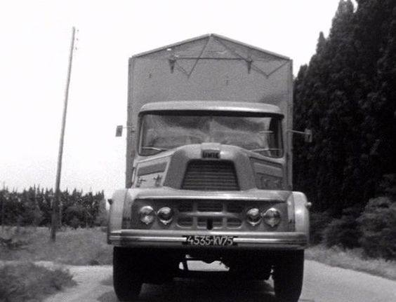 Unic-ZU-122-Izoard--1957-