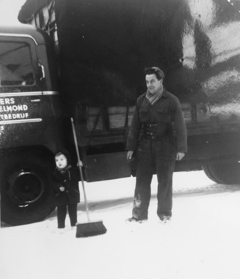 0-Vandaag-in-Throwback-Thursday-terug-naar-1963-Friedi-Slegers-met-zoon-Twan-Slegers