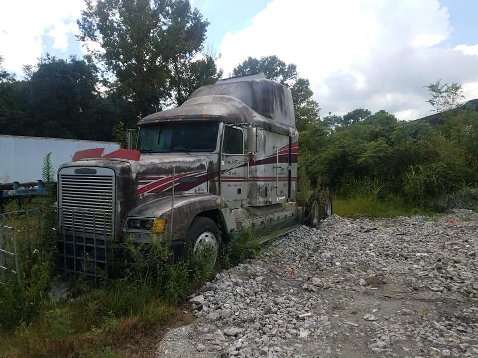 Freightliner--4