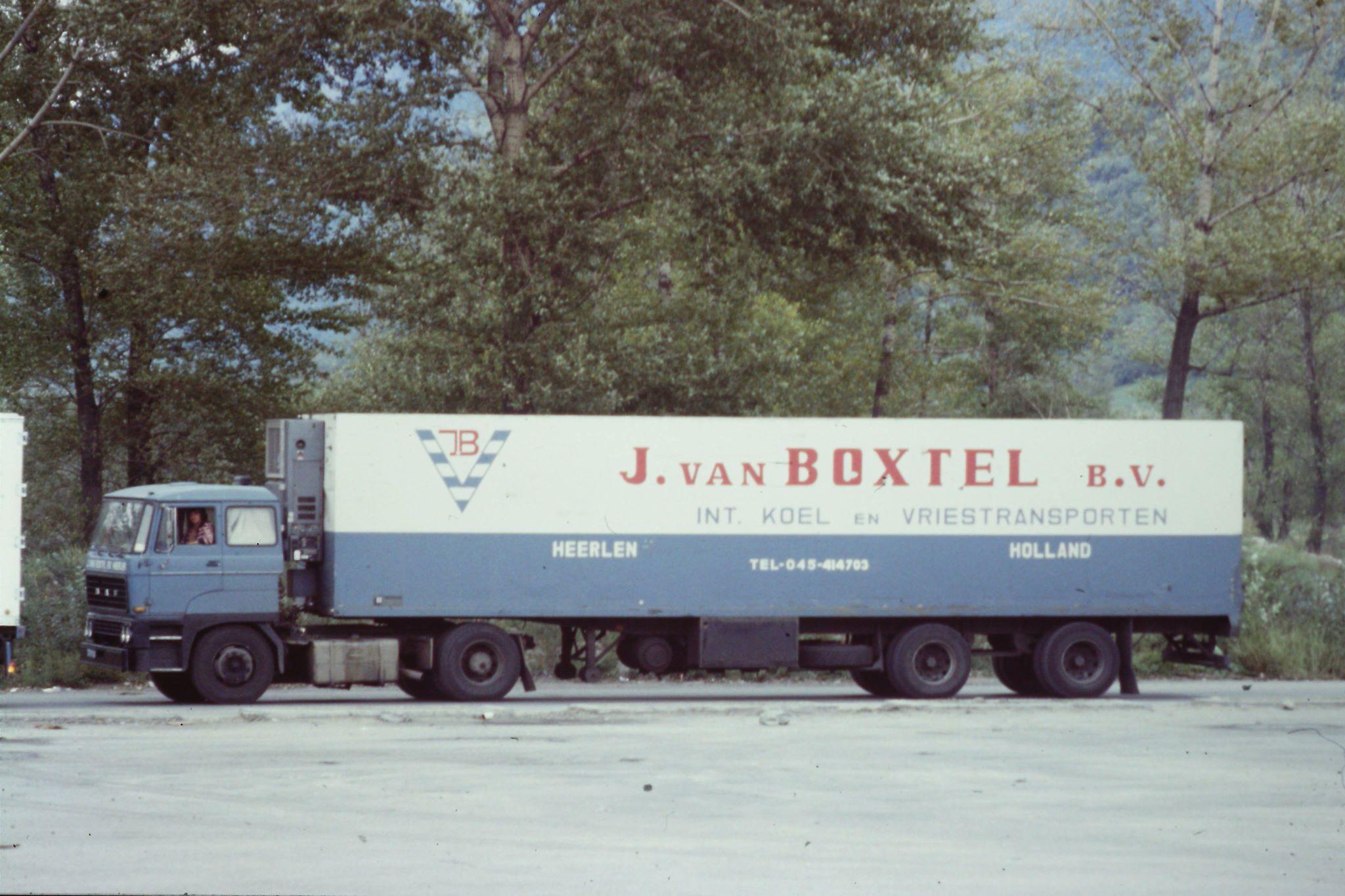 aosta-1981-met-chauffeur-Giel-Smits-archief-Paul-Bien--